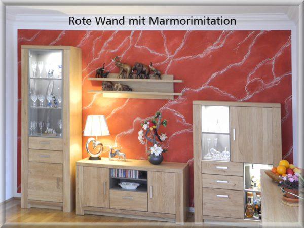 Bild: Rote Wand mit Marmorimitation